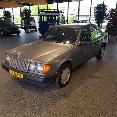 Mercedes-Benz-200-serie
