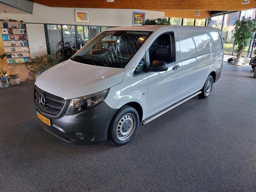 Mercedes-Benz-Vito-thumb